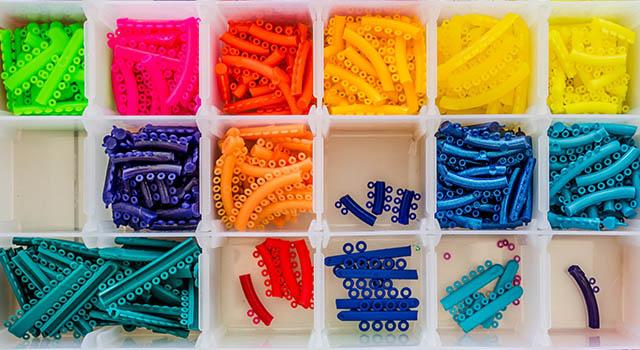 braces color box
